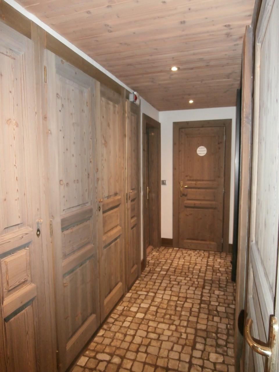 copropri t le pas du bouquetin val d 39 is re agence syndic gestion locative. Black Bedroom Furniture Sets. Home Design Ideas